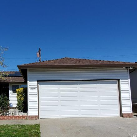 Rent this 3 bed house on 226 Mayfair Avenue in Vallejo, CA 94591