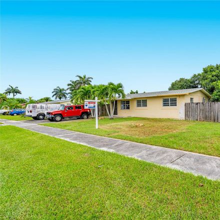 Rent this 3 bed house on SW 313th St in Homestead, FL