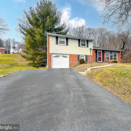 Rent this 3 bed house on 118 Beechtree Dr in Broomall, PA
