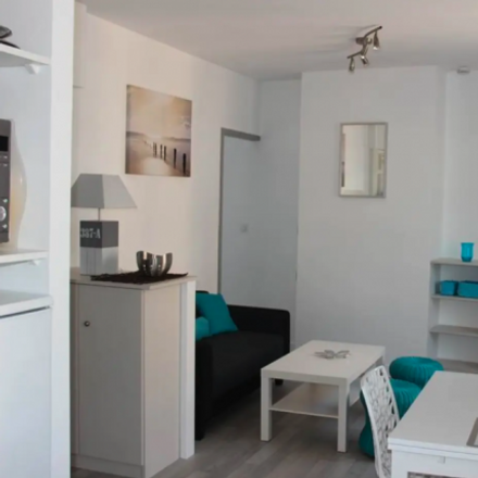 Rent this 1 bed apartment on 8 Rue Saint-Didier in 69009 Lyon, France