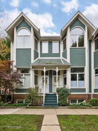 Rent this 3 bed townhouse on 1435 West Altgeld Street in Chicago, IL 60614