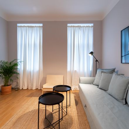 Rent this 2 bed apartment on Koppstraße 43 in 1160 Wien, Austria