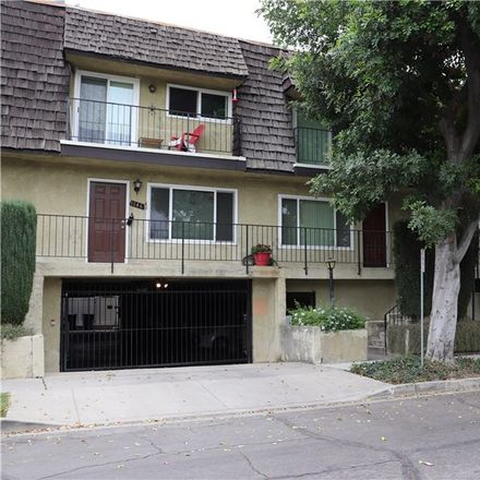 Rent this 2 bed townhouse on 1142 North Lamer Street in Burbank, CA 91506