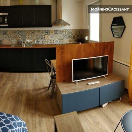 Rent this 0 bed room on 206 Cours de la Somme in 33800 Bordeaux, France