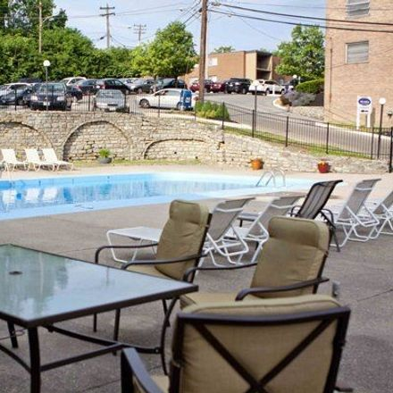 Rent this 1 bed apartment on Church and School of the Annunciation in Resor Avenue, Cincinnati