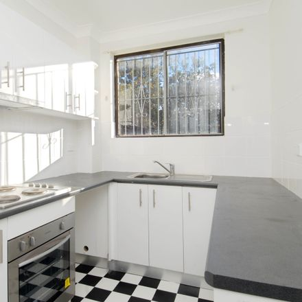 Rent this 1 bed apartment on 3-5 Hill Street