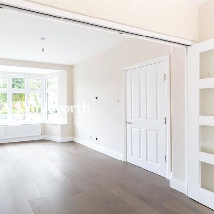 Rent this 5 bed house on Oakwood Park Road in London N14 6QB, United Kingdom