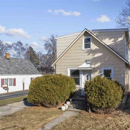 Rent this 4 bed house on 813 13th Avenue in Green Bay, WI 54304