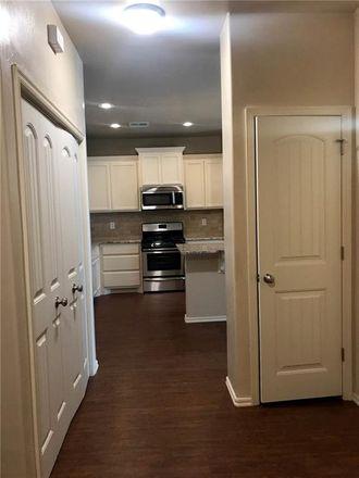 Rent this 3 bed duplex on Yukon
