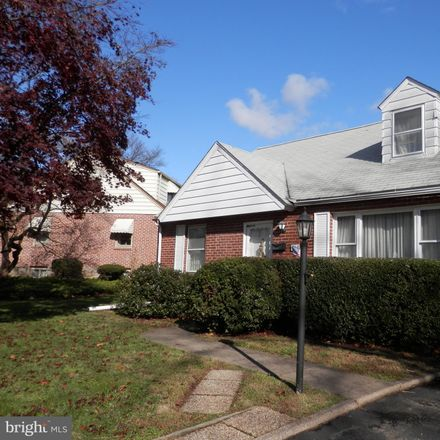 Rent this 3 bed house on 409 East Thompson Avenue in Springfield Township, PA 19064