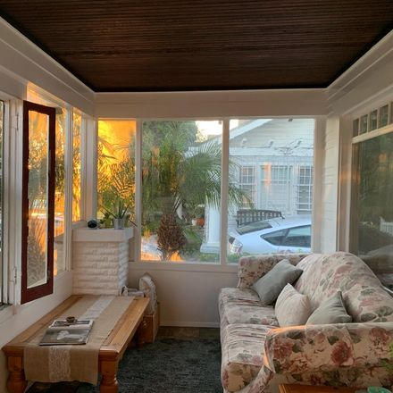 Rent this 1 bed room on Taco Bell in East Corto Place, Long Beach