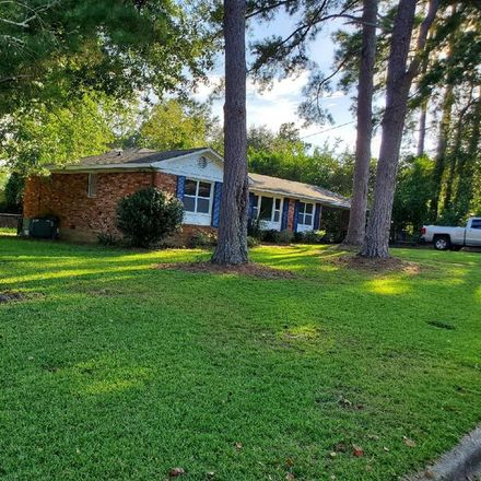 Rent this 3 bed house on Hampton Ct in Augusta, GA