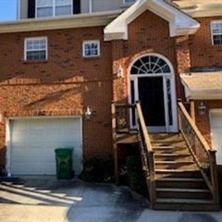 Rent this 3 bed townhouse on Chateau Club in Dunwoody, GA 30338