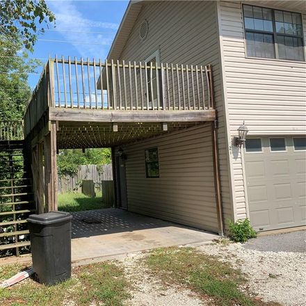 Rent this 3 bed house on E Wilson St in Farmington, AR