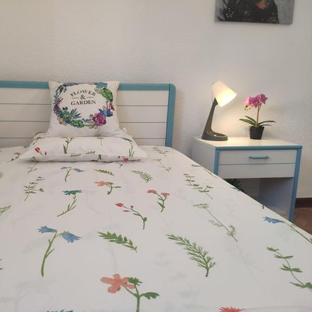 Rent this 1 bed room on Calle Guillermo Pingarrón in 28001 Madrid, Spain