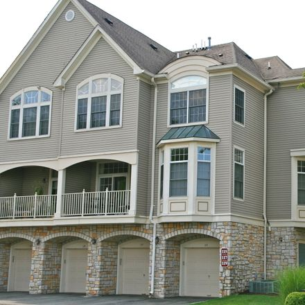 Rent this 3 bed townhouse on Regal Blvd in Livingston, NJ