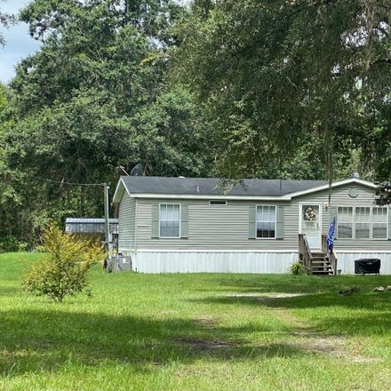 Rent this 3 bed house on SW Hodges Way in Lake City, FL
