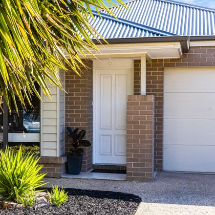 Rent this 4 bed house on 20A Douglas Street