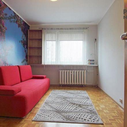 Rent this 3 bed apartment on Leśny Trakt in 87-162 Toruń, Poland