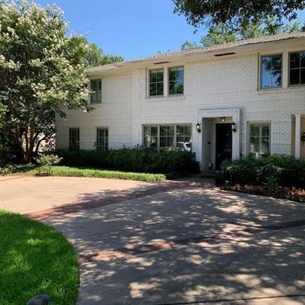 Rent this 3 bed duplex on 4321 University Boulevard in University Park, TX 75205