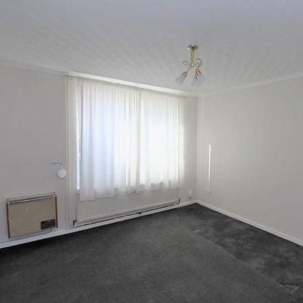 Rent this 3 bed house on Highams Hill in Crawley RH11 8BS, United Kingdom