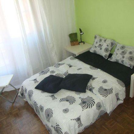 Rent this 3 bed room on Rua da Bempostinha in Lisbon, Portugal