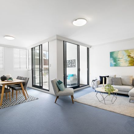 Rent this 3 bed apartment on 222/38-46 Albany  Street