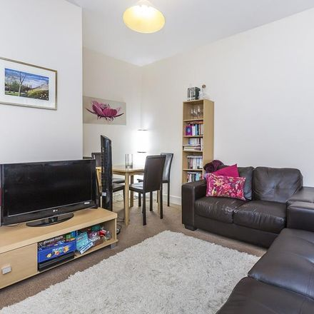 Rent this 3 bed apartment on 35 Islington Park Street in London N1 1QB, United Kingdom