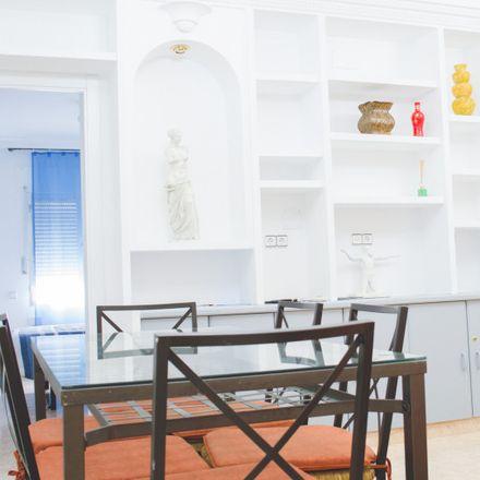 Rent this 4 bed apartment on Madrid-Puerta de Atocha in Calle de Méndez Álvaro, 28001 Madrid