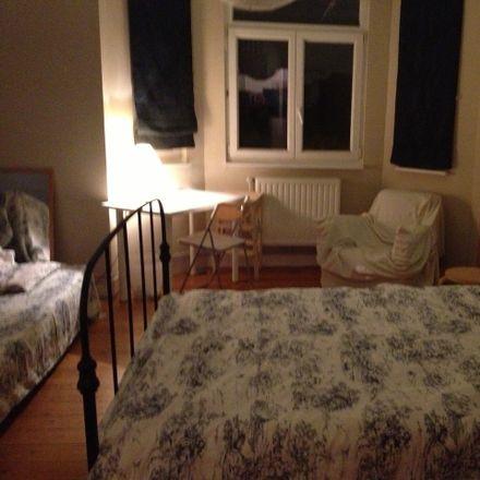 Rent this 3 bed room on Avenue du Diamant 105 in 1030 Schaerbeek, Belgium