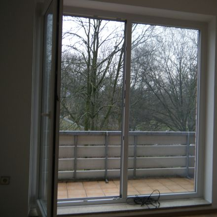 Rent this 2 bed apartment on Johansenaue 2 in 47809 Krefeld, Germany