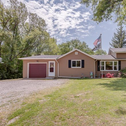 Rent this 3 bed house on 820 Oran Street in Collinsville, IL 62234