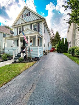 Rent this 3 bed house on 119 Trumbull Parkway in Batavia, NY 14020