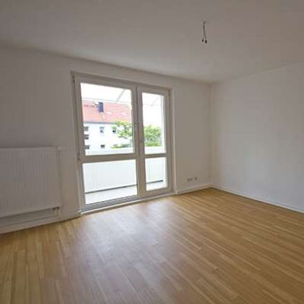 Rent this 3 bed apartment on Dessauer Straße 20 in 06118 Halle (Saale), Germany