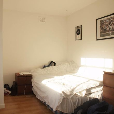 Rent this 3 bed apartment on Stockwell Park Crescent in London SW9 0DG, United Kingdom