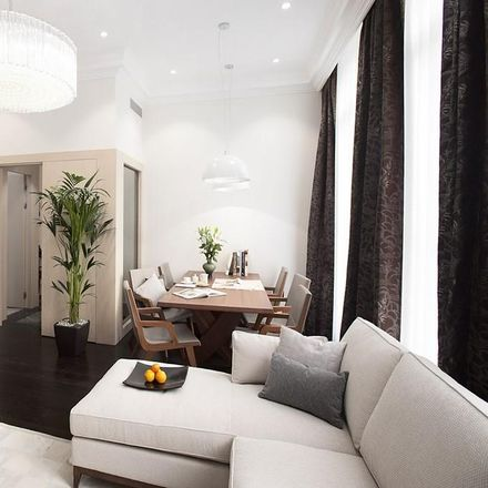 Rent this 3 bed apartment on Harrods Car Park in Beaufort Gardens, London SW3 1PU
