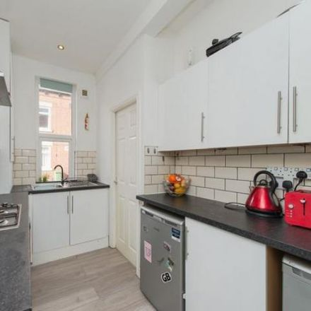 Rent this 3 bed house on Glebe Avenue in Horsforth LS5 3HN, United Kingdom
