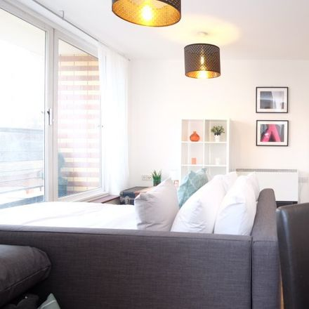 Rent this 1 bed apartment on London E8 1NY