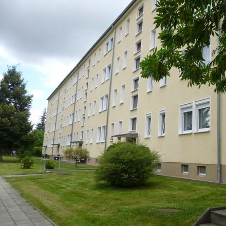Rent this 2 bed apartment on Lindenstraße 38 in 02708 Löbau, Germany