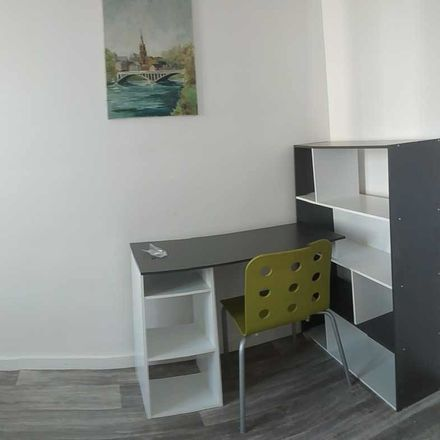Rent this 3 bed room on Boulevard Romain Rolland in Marseille, Francia