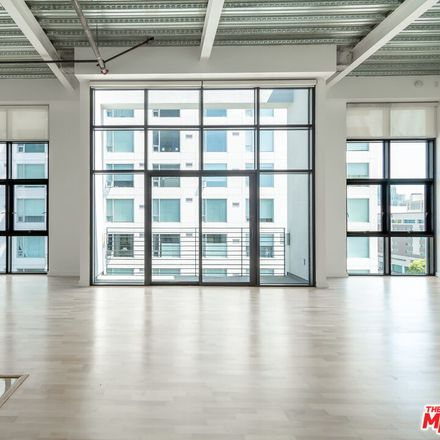 Rent this 2 bed loft on 330 West 11th Street in Los Angeles, CA 90015