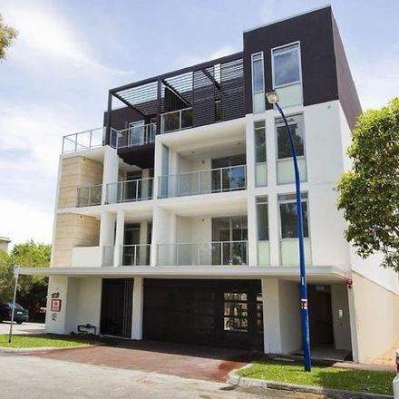 Rent this 2 bed apartment on 1/19 May Street