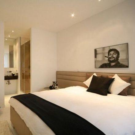 Rent this 3 bed apartment on Gerechtigkeitsgasse 8 in 8022 Zurich, Switzerland