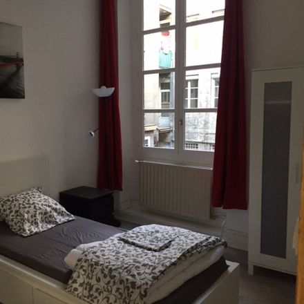 Rent this 4 bed room on Rue Georges Teissier in 42000 Saint-Étienne, France