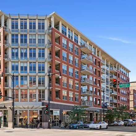 Rent this 2 bed loft on Starbucks in 1001-1015 West Madison Street, Chicago
