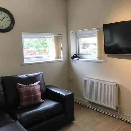 Rent this 5 bed house on Rhyddings Terrace in Swansea SA2 0DP, United Kingdom