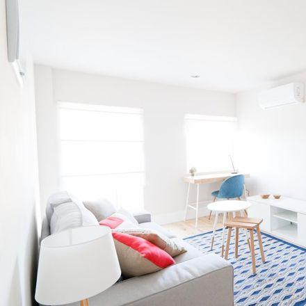 Rent this 2 bed apartment on Escuela municipal de música Isaac Albéniz in Calle Lonja de la Seda, 4