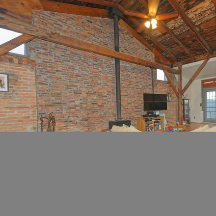 Rent this 4 bed loft on 551 2nd Avenue in City of Troy, NY 12182