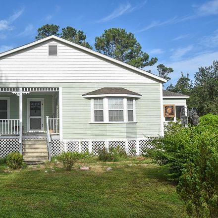 Rent this 3 bed house on Pinewood St in Apalachicola, FL