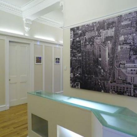Rent this 3 bed apartment on Mother India in 28 Sauchiehall Street, Glasgow G3 7RU